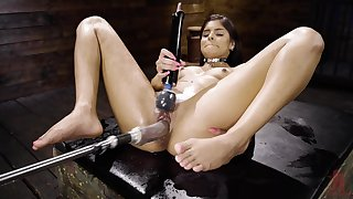 Katya Rodriguez is the real queen of double penetration with machines